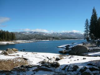 Family Cabin Sleeps 12 / 5 Bd 3 Ba 2200 sq f - Shaver Lake vacation rentals