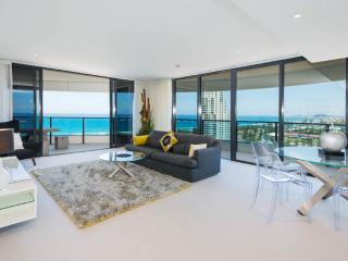 The Oracle Resort - 2 Bed 2 Bath Ocean 21607 - Broadbeach vacation rentals