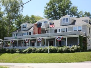 2 bedroom Condo with Internet Access in Northport - Northport vacation rentals