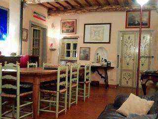 Agriturismo Pratofranco Appartamento Casagrande - Pontremoli vacation rentals