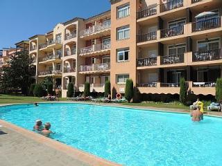 Apartamento atico con vistas mar y piscina - Empuriabrava vacation rentals