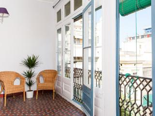 City Center Apt for 12 - close to Plaza Catalunya - Barcelona vacation rentals