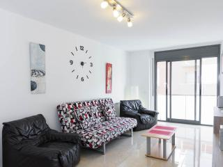 Apartment ideal for 2-4 people - Riudarenes vacation rentals