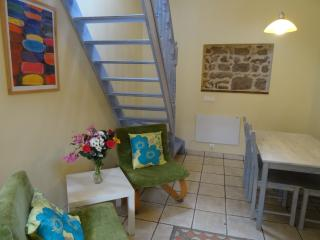 Nice 1 bedroom Gite in Coatroual - Coatroual vacation rentals