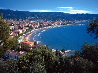 Riviera dei Fiori Blumenriviera Riviera of Flowers - Diano Borello vacation rentals