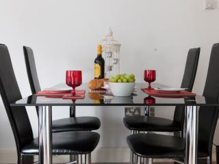 Luxury London Bridge 1 bedroom Apartment - London vacation rentals