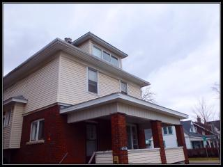 Offically!! The closest guest house to the Falls!! - Niagara Falls vacation rentals