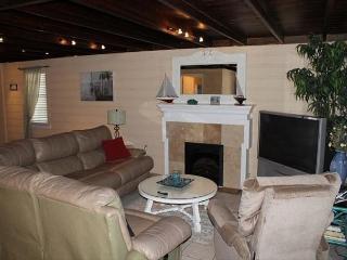Atlantic View, Pet Friendly, 5 Bedroom, 3 Bath, Sleeps 16, Private Pool - Crescent Beach vacation rentals