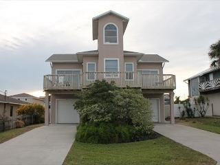 Ocean Lighthouse, 4 Bedrooms, 3 Baths, Pet Friendly, Ocean View - Crescent Beach vacation rentals