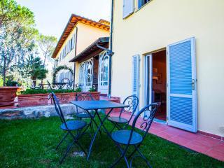 "Apt 8 La Certaldina ""Visit & relax in Tuscany"" - Certaldo vacation rentals"