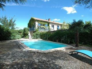 L'Oustalado - Beautiful apartment with pool - Maubec vacation rentals