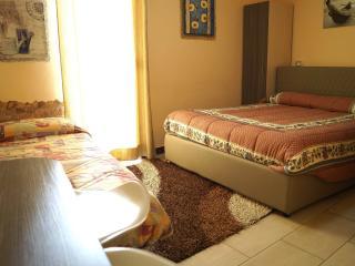 Adorable 4 bedroom B&B in Reggio di Calabria with Internet Access - Reggio di Calabria vacation rentals