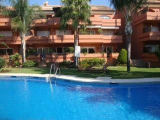 Luxury Beach Side Apartment in Puerto Banus - Fuentes de Cesna vacation rentals