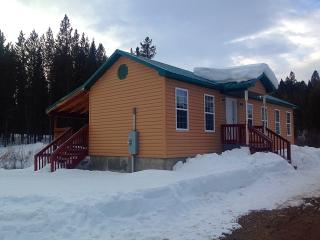 Creekside Cottage *Affordable Yellowstone Cabin* - Eastern Idaho vacation rentals