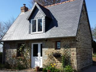 Rural Cottage in the Normandy country side - Sourdeval vacation rentals