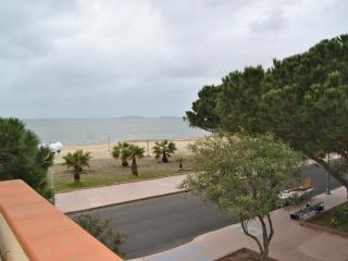 Holiday house in front of the sea (30 mt) - Oristano vacation rentals