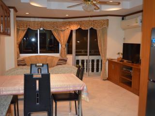 double apartment  on topfloor (1040) in Jomtien - Jomtien Beach vacation rentals