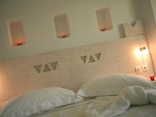 Lovely Villa with Internet Access and Dishwasher - Plaka vacation rentals