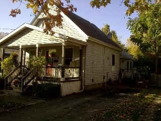 Old South home near Wortley Village - London vacation rentals