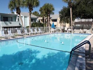 Quail Hollow A8-3U, 2 Bedroom, 2 Bath Condo - Florida North Atlantic Coast vacation rentals