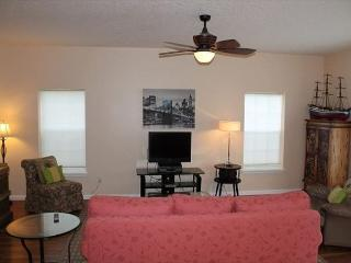 Beautiful 3 Bedroom, 2 1/2 Bath home, Located in Heart of St. Augustine Beach - Saint Augustine vacation rentals