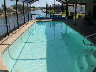 Canal/Water Front, Upgraded, Sleeps 6, 2 Bedroom, Pool, WiFi, Flat Screens - Palm Coast vacation rentals