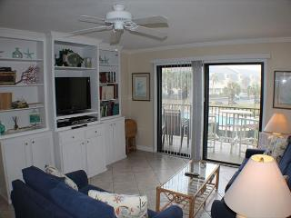 Ocean View Condo, Wifi, 4 heated pools, Tennis Courts, Shuffleboard, WIFI - Crescent Beach vacation rentals