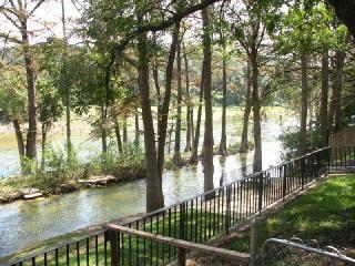 Rio Linda Lodge - 3bd/2bth - New Braunfels vacation rentals