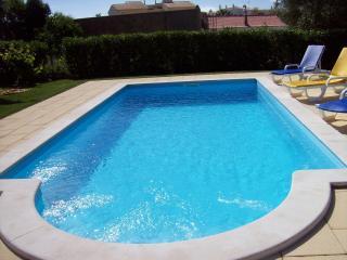 Beautiful 2 bedroom Ferreiras House with Internet Access - Ferreiras vacation rentals