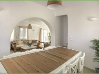 Lovely 3 bedroom Plaka Villa with Internet Access - Plaka vacation rentals