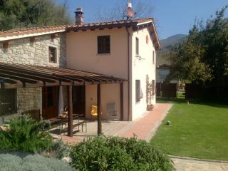 A'Loro - Familiar B&B in Loro Ciuffenna - Arezzo - Loro Ciuffenna vacation rentals
