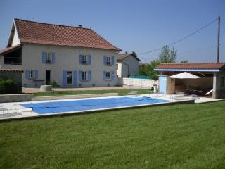 Nice Gite with Internet Access and Balcony - Rochetoirin vacation rentals