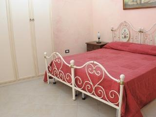 1 bedroom Bed and Breakfast with Internet Access in Licata - Licata vacation rentals