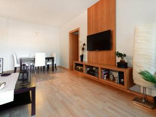 Nice Condo with Internet Access and Central Heating - Badalona vacation rentals