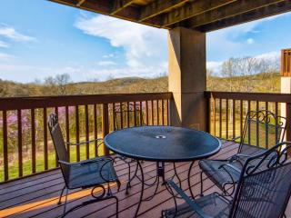 Branson Condo Rental | Eagles Nest | Indian Point | Silver Dollar City | Lake Views (1810604) - Indian Point vacation rentals
