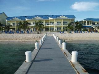 The Reef Resort: 2-BR Lockoff, Sleeps 6, Kitchen - East End vacation rentals