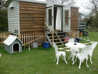 1 bedroom Shepherds hut with Internet Access in Burford - Burford vacation rentals