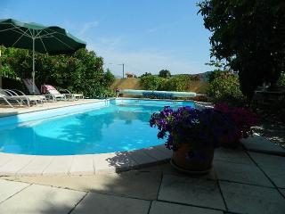 2 bedroom Gite with Deck in Vinsobres - Vinsobres vacation rentals