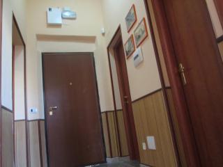 Nice B&B with Internet Access and Freezer - Reggio di Calabria vacation rentals