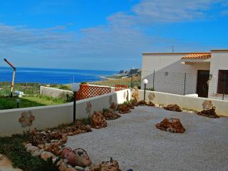 2 bedroom Cave house with Deck in Macari - Macari vacation rentals