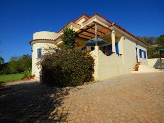 Villa Quina~4 bed~Private Pool~Air Con~Wi-fi - Alcantarilha vacation rentals