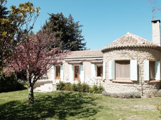 Provençal Cottage with Pool - Taulignan vacation rentals
