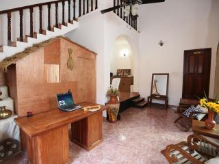 6 bedroom Guest house with Internet Access in Unawatuna - Unawatuna vacation rentals
