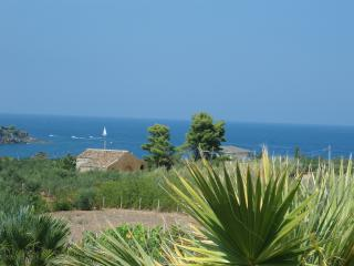 Scopello -Guidaloca walking access to the beach - Scopello vacation rentals