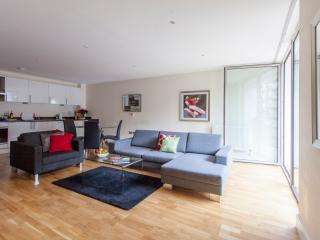 Lanterns court 2 Bedroom in Canary Wharf London - London vacation rentals