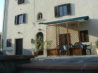 Casa Buccia Ground Floor - San Giustino Valdarno vacation rentals