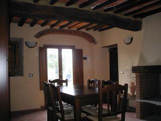 Lovely 1 bedroom San Giustino Valdarno Condo with Central Heating - San Giustino Valdarno vacation rentals