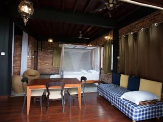 Cabinz ecottage - Jade 2 - Seremban vacation rentals