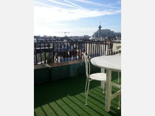 Amazing view -terrace-Marais 1BR apart (#40) - Pantin vacation rentals