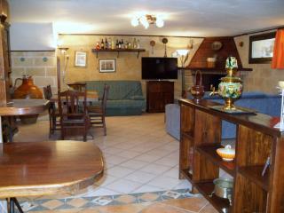Cozy 2 bedroom San Donaci Condo with Internet Access - San Donaci vacation rentals